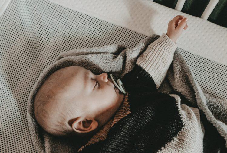 Schlaf, Kindlein, schlaf!